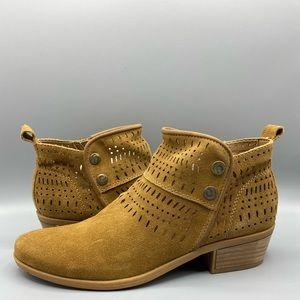 Bare Traps Georgia boots